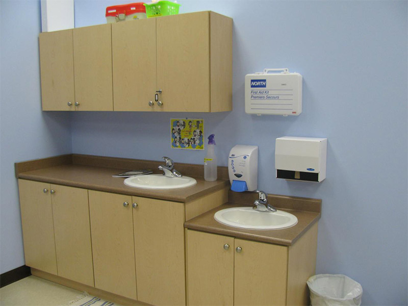lower-upper-sinks-in-each-classroom